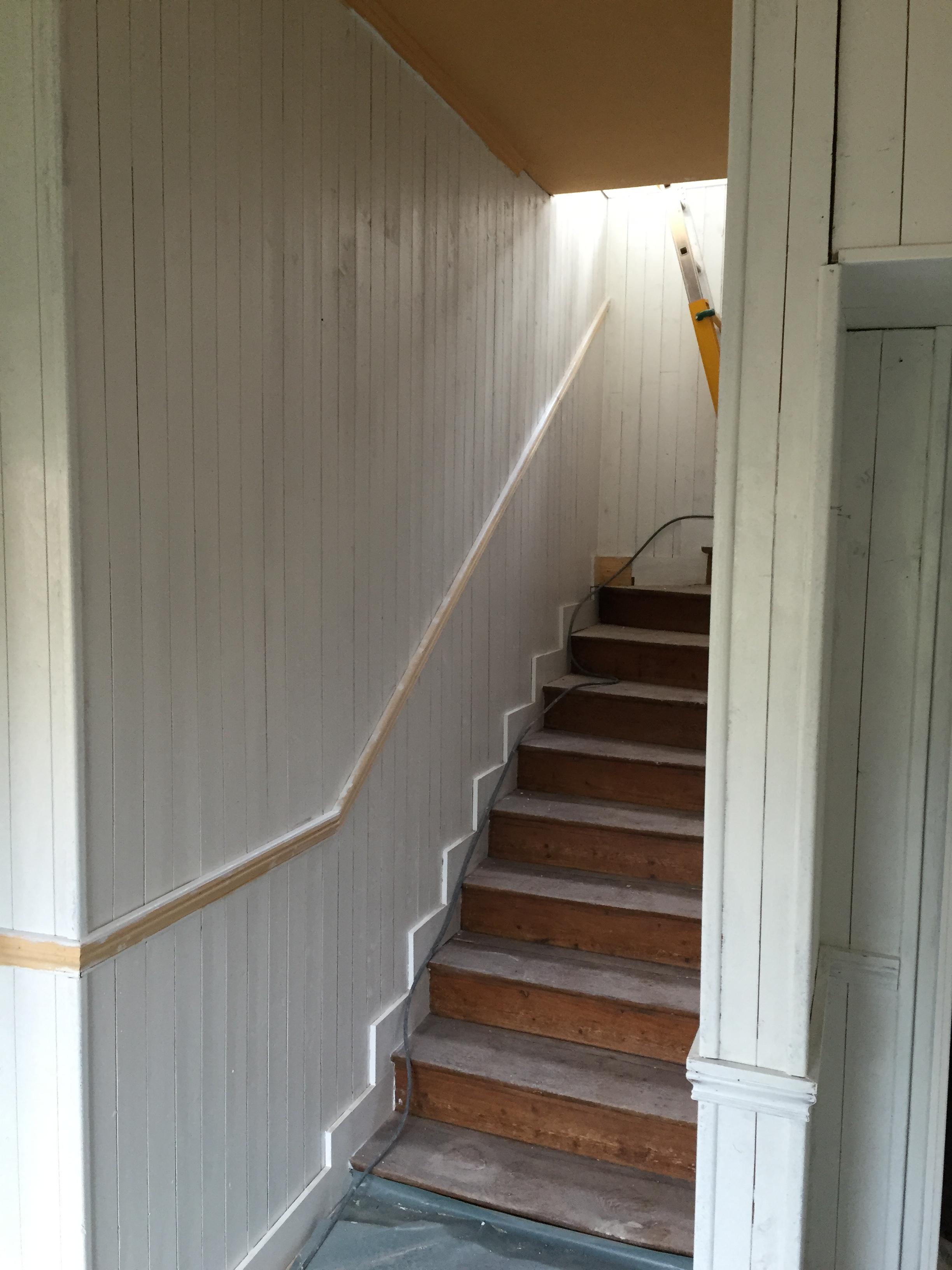 Poncage Escalier En Bois rénovation d'une maison - saint-brieuc